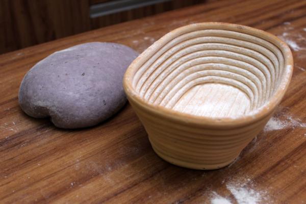 Pan morado de camote - Banneton