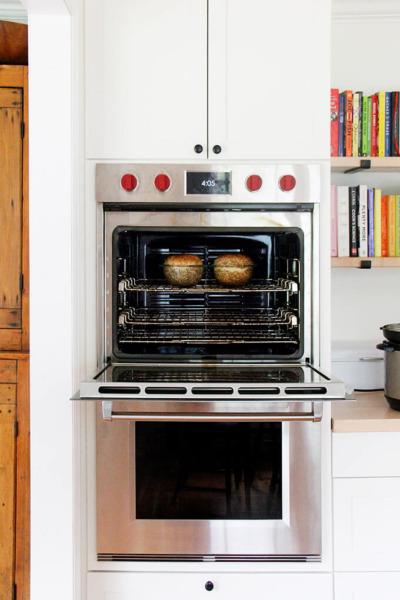 Pan campesino en el horno.