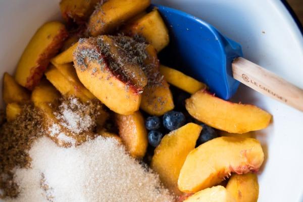 Ingredientes de masa madre para tarta desechar y corteza de galette