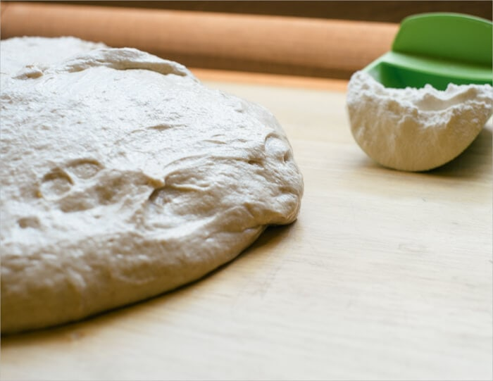 Receta de pan de campo con masa madre de tartina lista para preformar