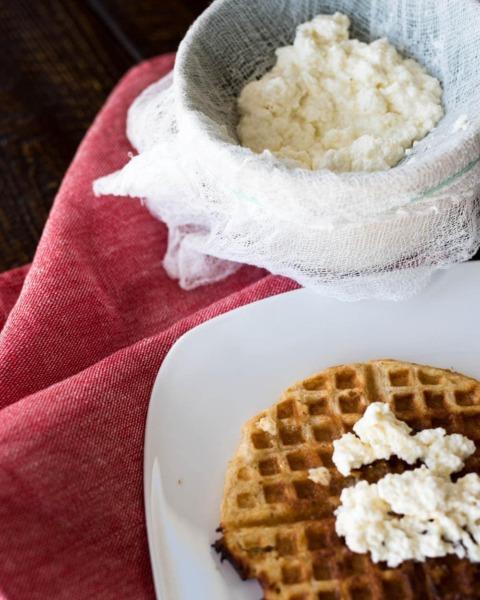 cómo hacer queso ricotta y con qué usarlo