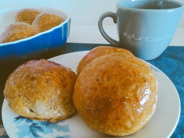 pan integral casero con café