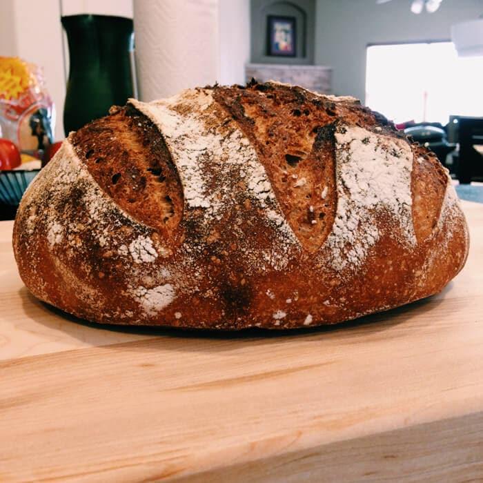 Hornear pan de masa madre y el comienzo