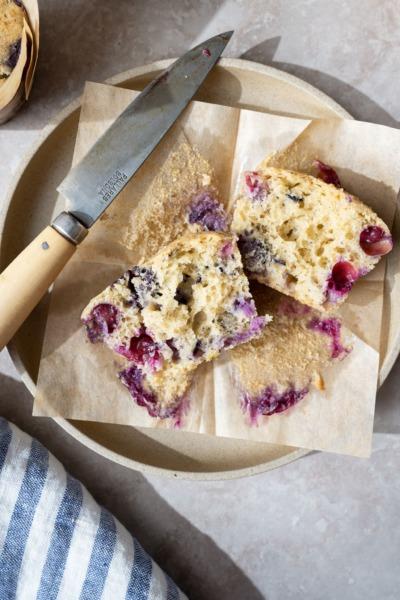 Muffins de masa madre de arándanos